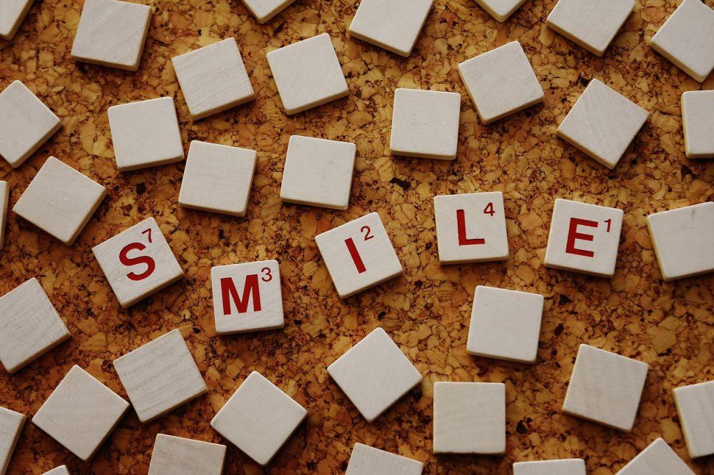 smile-2015530_1280-1024x682