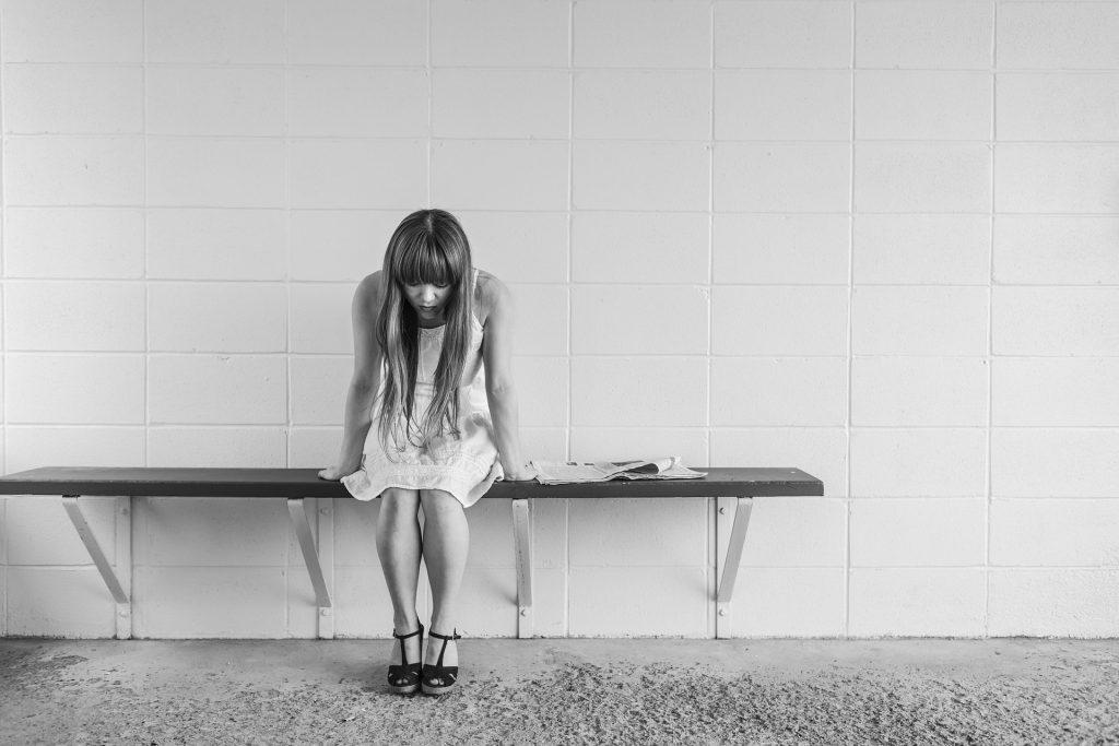 worried-girl-413690_1920-1024x683
